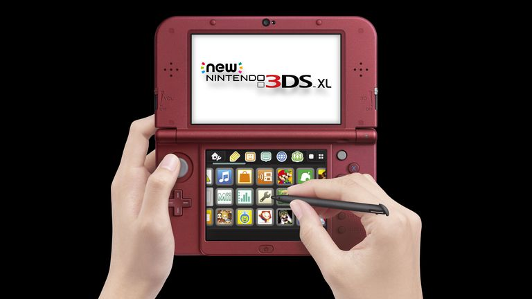 Hands using Nintendo 3DS XL
