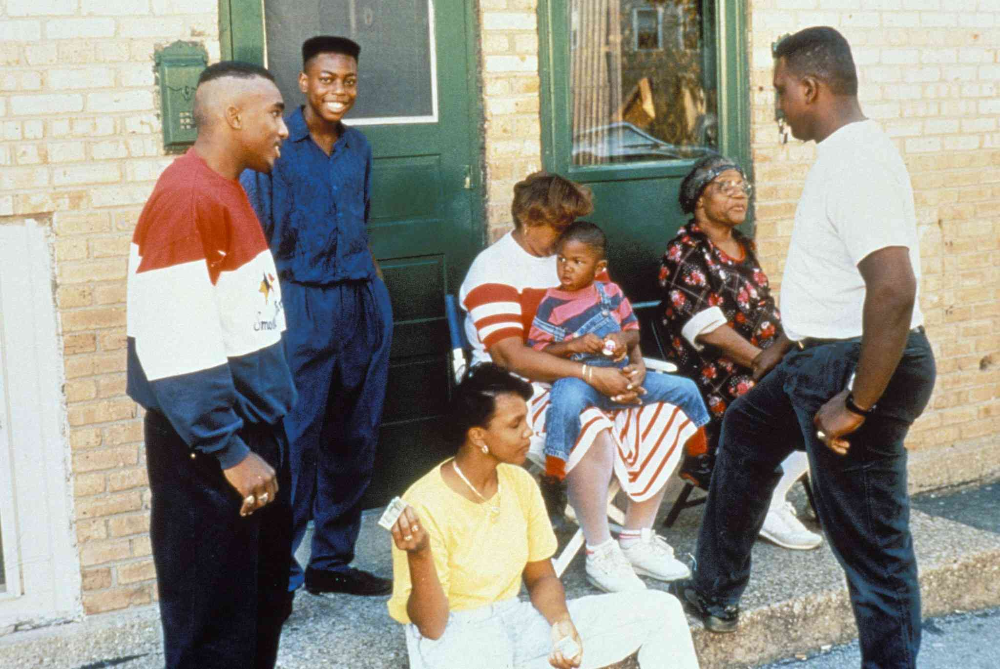 William Gates and others in Hoop Dreams (1994)