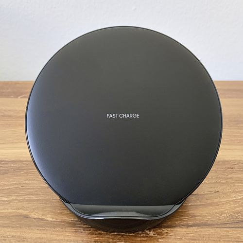 Samsung Fast Wireless Charger Stand Review: Blazing Fast Charging Speed