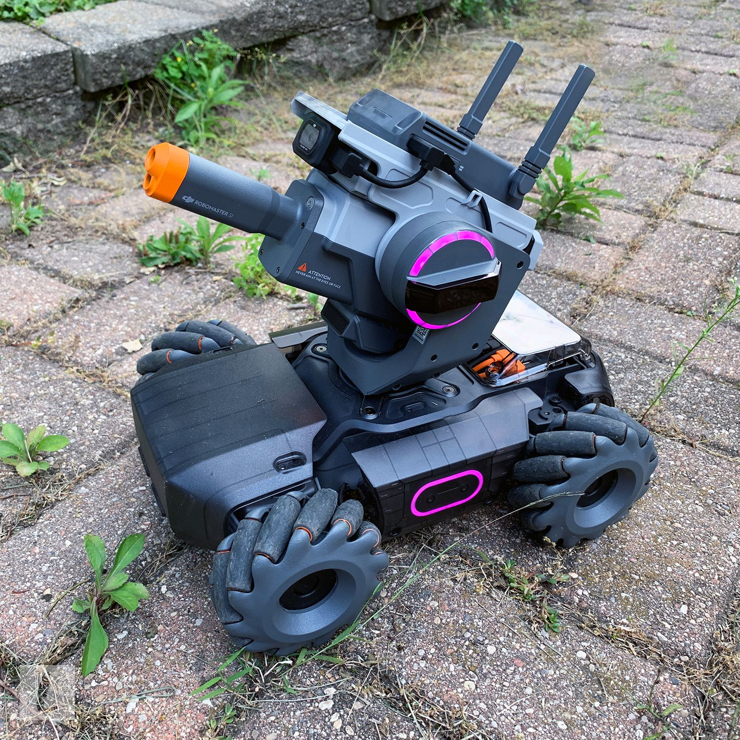 Dji Robomaster S1 Review A Super Fun Tank Drone With Coding And Battling