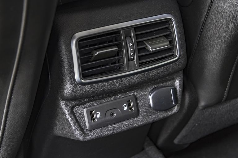 Car connection port