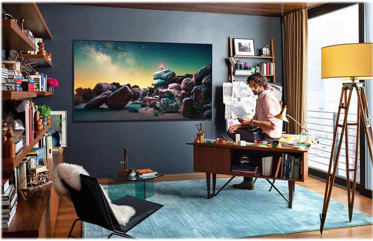 Samsung Q900 8K QLED TV Lifestyle Image