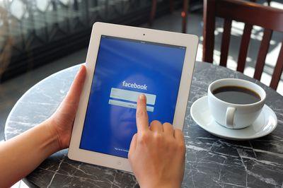 Facebook on iPad 3