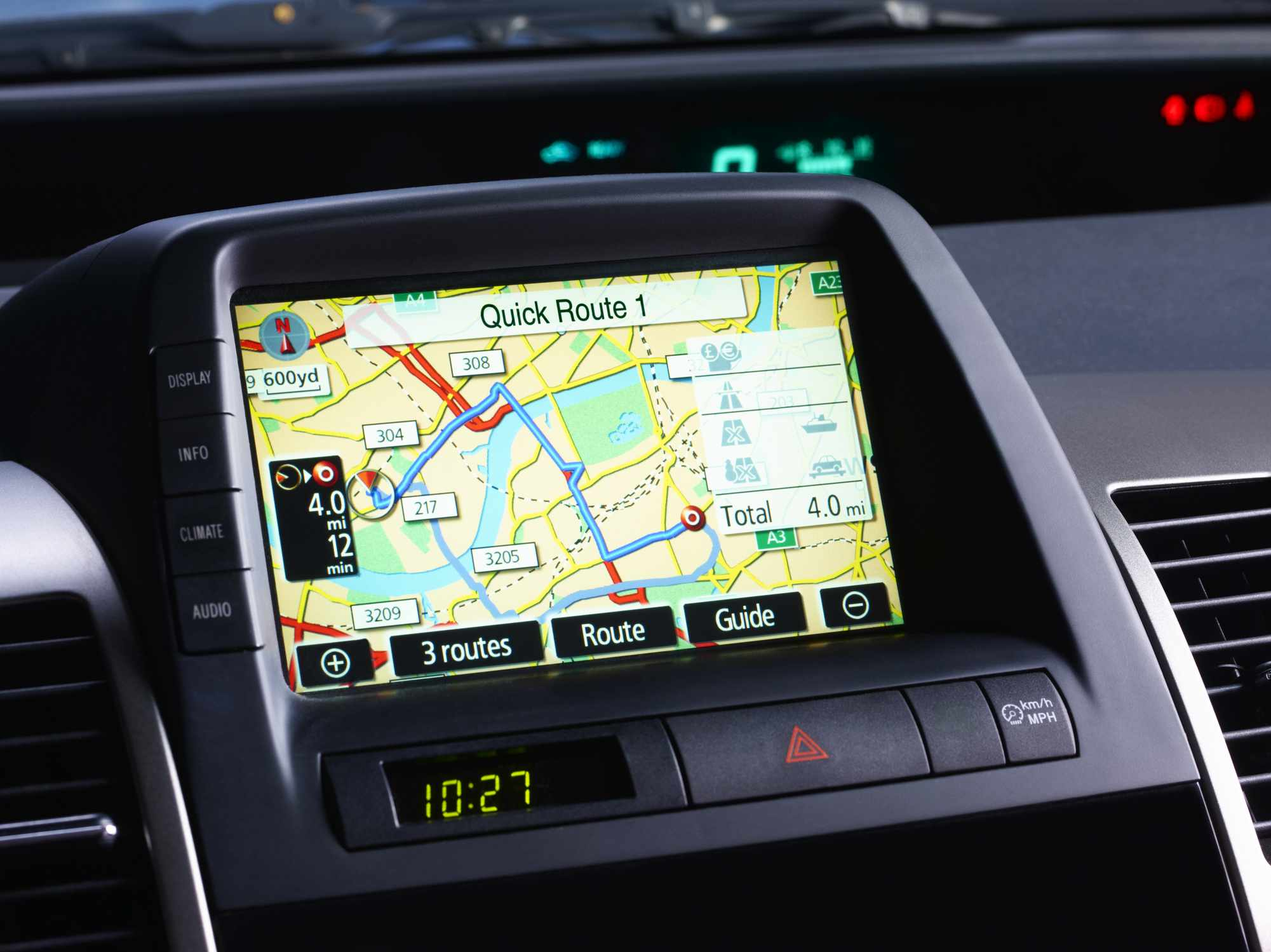 car gps buying guide things to consider. Black Bedroom Furniture Sets. Home Design Ideas