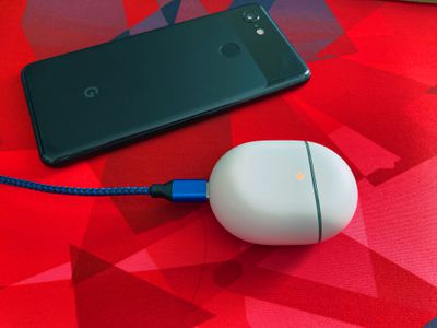 Pixel Buds charging