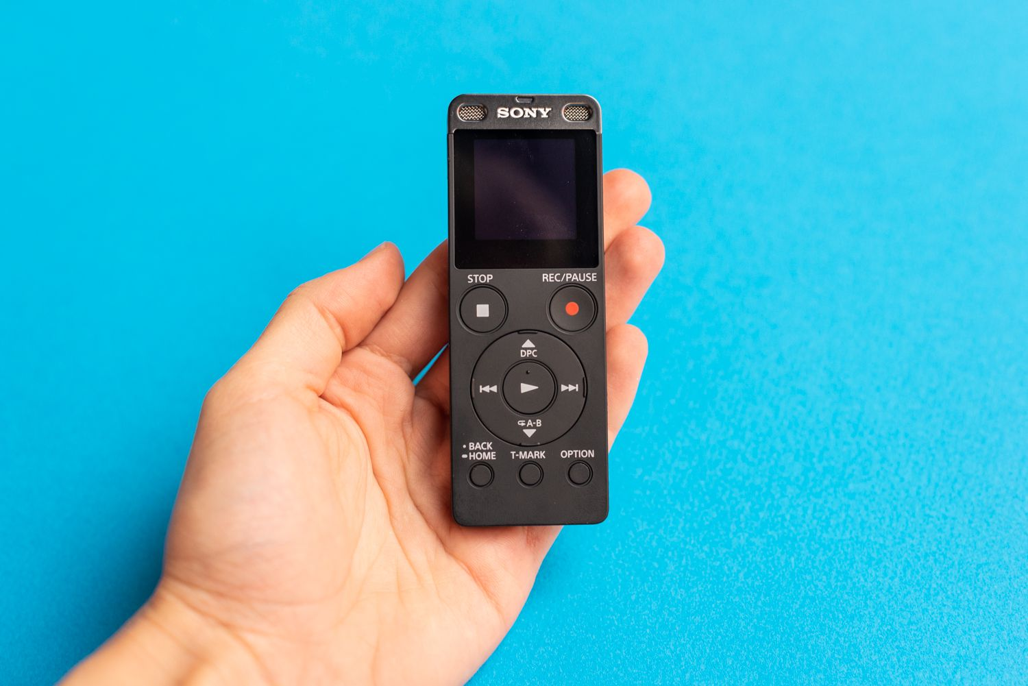 Sony ICDUX560BLK front
