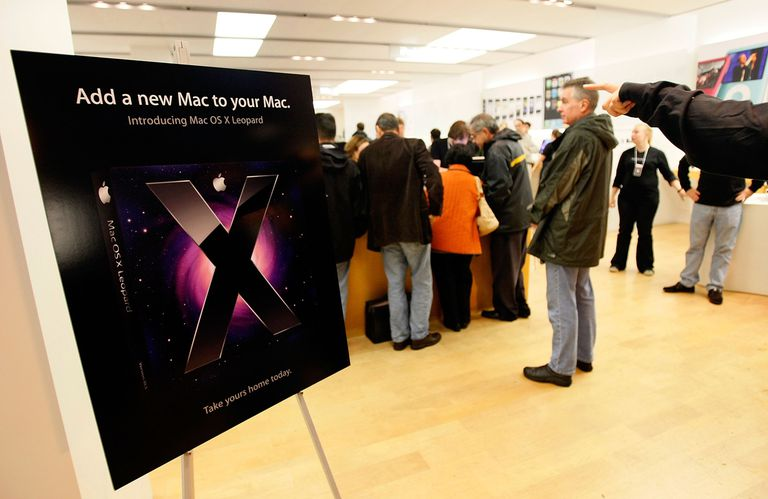 OS X Leopard introduction in an Apple store