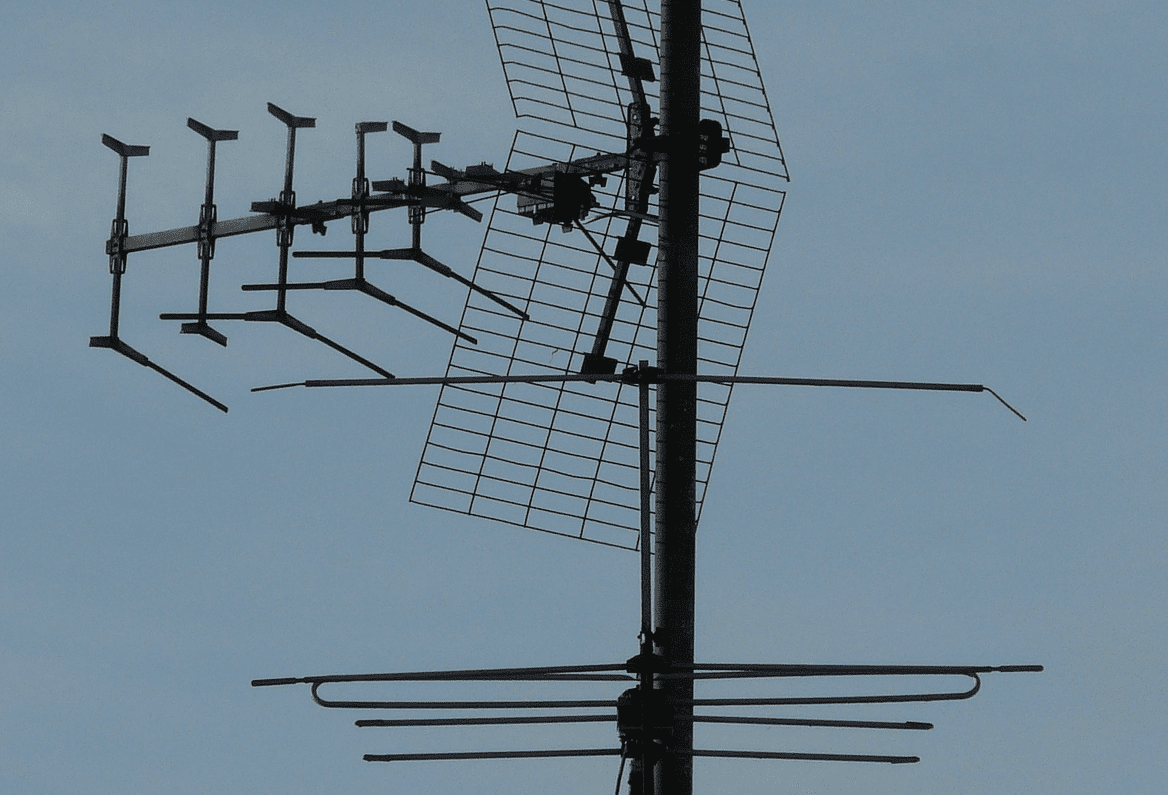 How to Choose and Use the Best Over-the-Air Antenna for HDTV