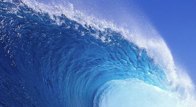 Up close view of a huge blue wave free ocean wallpaper