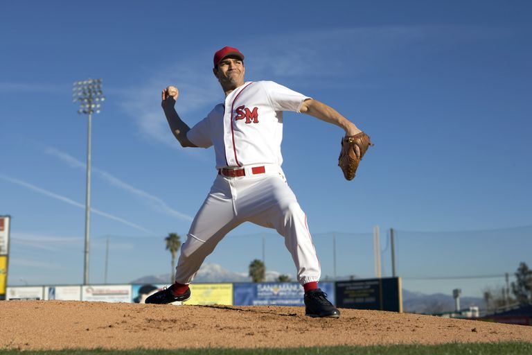 Baseball player throwing a ball