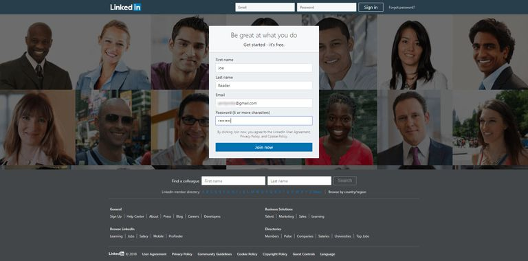 Screenshot of the LinkedIn sign-up page.
