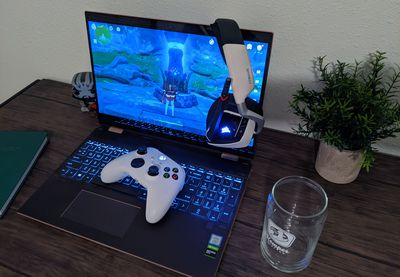 An Xbox Series X|S wireless controller paired to a Windows 10 PC.