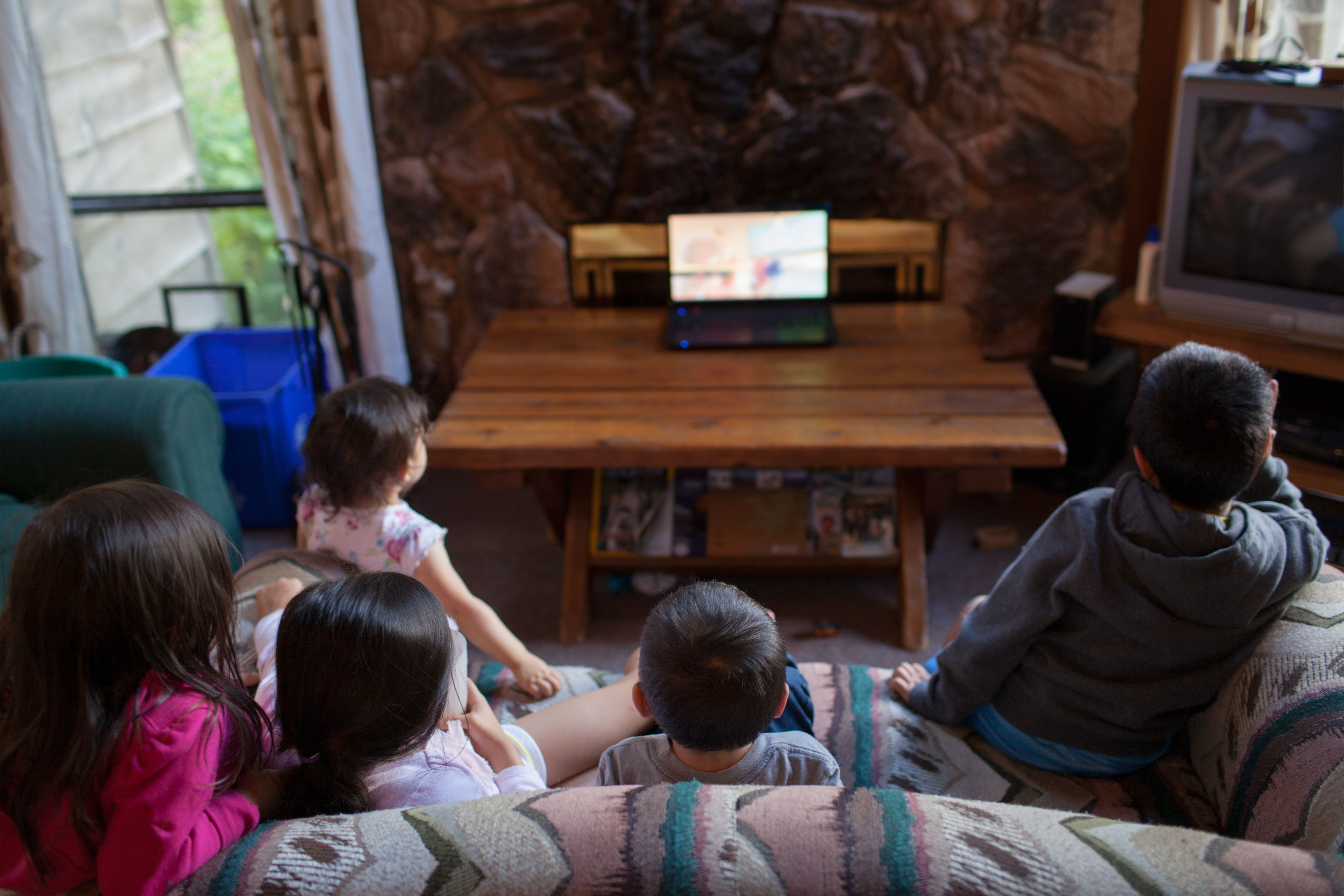 8 Places to Watch Free Kids Movies line