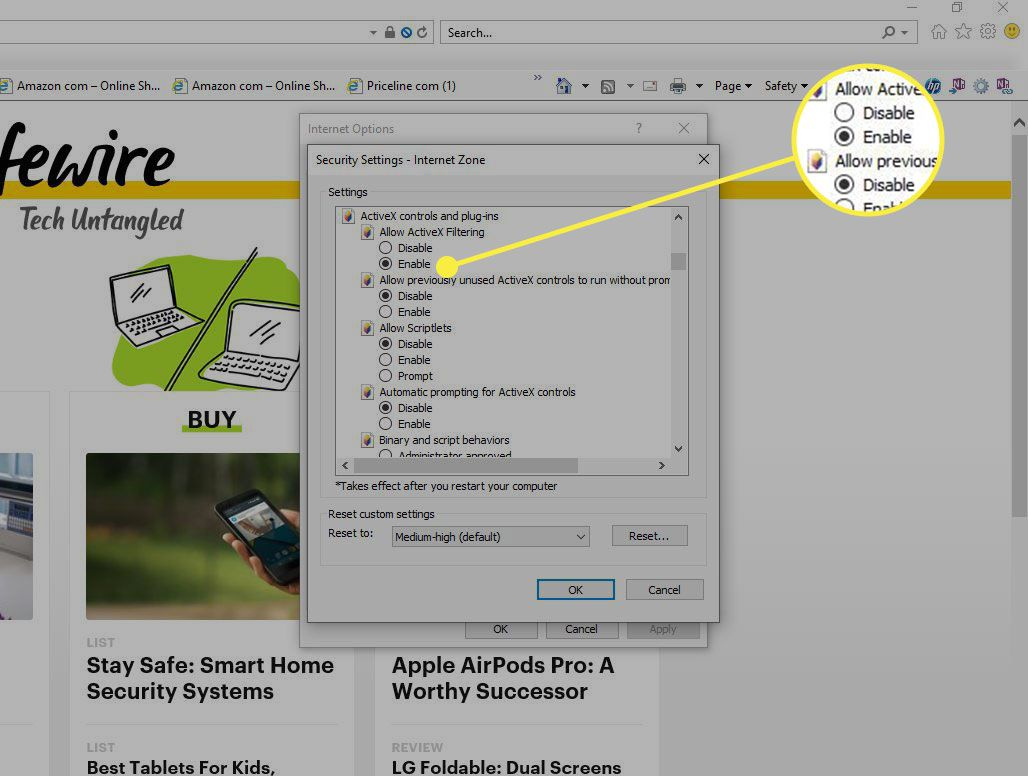 Custom Security settings in IE with an Enable option highlighted