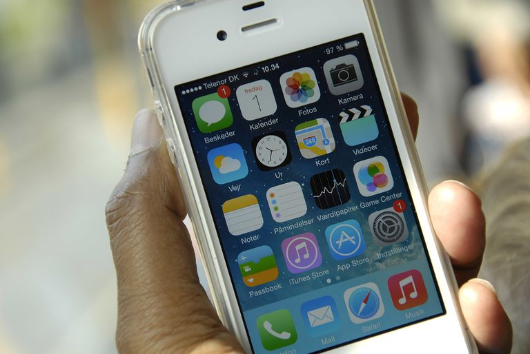 iphone 4s hardware and software features