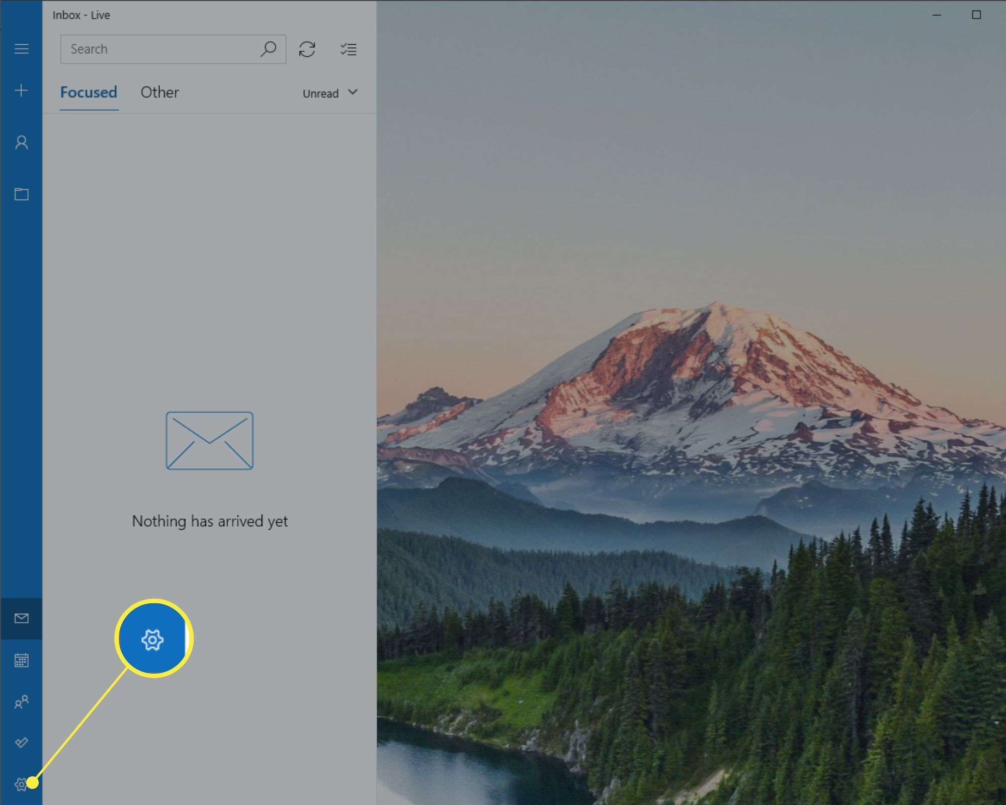 Settings gear icon in Windows 10 Mail